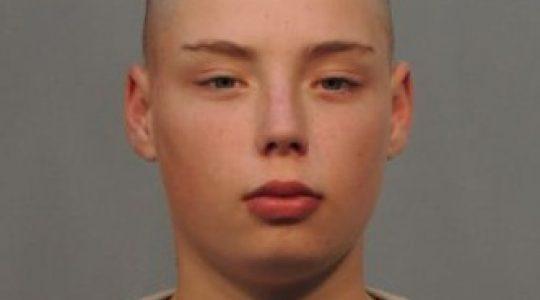 Băiat de 13 ani, voiajor cunoscut, dat dispărut de tată