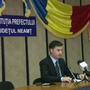 Prefectul apolitic stă cu ochii pe primarii de Girov şi Secuieni