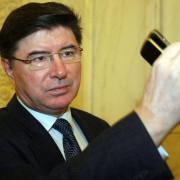 Senatorii PSD ai României, în genunchi la mănăstirile Neamțului