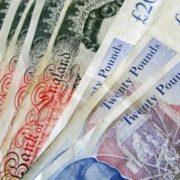 Noroc chior: a pierdut banii şi i-a găsit Poliţia