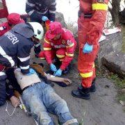 Bărbatul care a căzut ieri în Bistriţa a fost resuscitat aproape o oră