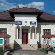 Primăria Dragomireşti: sigiliu pe uşa Secretariatului. Primarul renunţă la secretară