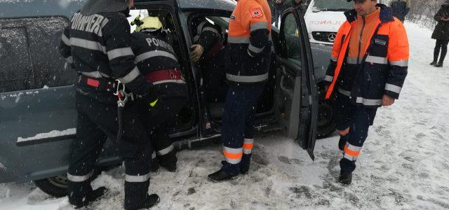 Accident grav între un tir şi un autoturism. Victime, trei femei şi un bărbat