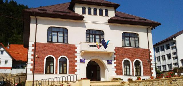 Pentru ONG -urile Piatra Neamţ: sesiunea a doua a finanţărilor nerambursabile se anulează!