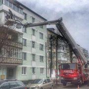 """Neamţ: patru uşi """"sparte"""" de pompieri în această după amiază"""