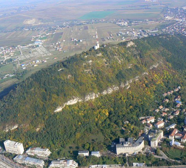Piatra Neamţ: muntele Pietricica va putea fi urcat pe scară