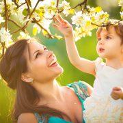 Astăzi, pentru doamne, de 8 martie, Nichita: Orice mamă e anume cea mai scumpă de pe lume!