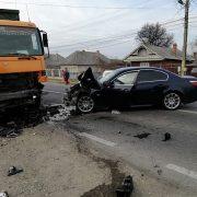 Accident  la Roznov, şofer transportat cu SMURD-ul la spital