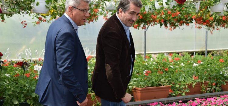 Neamţ: Ministrul Apelor, între florile serelor silvice de la Gârcina
