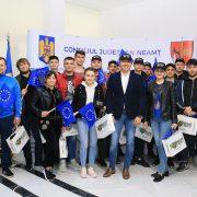Tineri din Basarabia la Consiliul Judeţean Neamţ