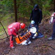 Salvamont: Intervenţie pe Ceahlău cu două echipaje. Bărbat rănit, transportat la spital