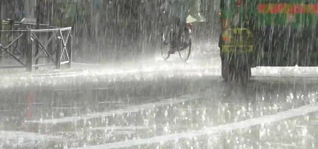 Neamţ: Codul Portocaliu se prelungeşte până duminică dimineaţa. Inundaţii în judeţ, intervenţi ale ISU