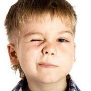 Psiholog: De ce ne fac unii mereu cu ochiul sau ne înjură de mamă?