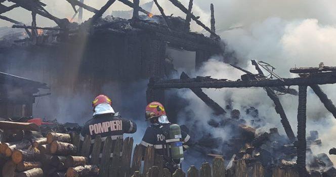 Neamţ: Botezul focului pentru trei studenţi la Facultatea de pompieri