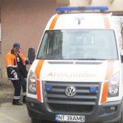 Neamţ: Şapte oameni intoxicaţi cu erbicid! Ambulanţa a mai fost chemată la o spânzurare!