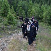Pelerinaj din Iaşi, Botoşani şi Neamţ către  Ceahlăul. De 6 august, slujbă religioasă pe munte