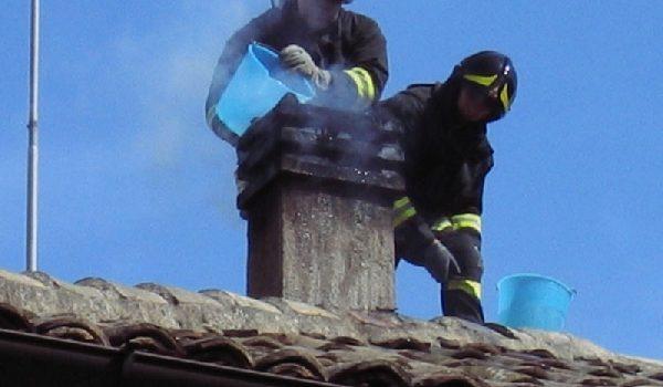 Grinţieş: incendiu de la un coş de fum