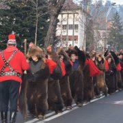 Astăzi, la Piatra Neamţ, vin urători din România şi Basarabia! Cel de a 51-lea Festival de datini