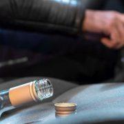 Beat pulbere la volan, a fost …mirosit de poliţişti