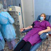 Neamţ: prima recoltare de plasmă pentru bolnavii de covid 19, de la o asistentă!