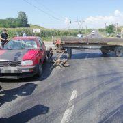 Accident între un autoturism şi o căruţă la Roznov