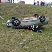 Accident cu maşină răsturnată la Petricani