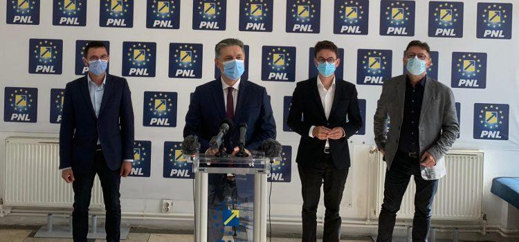 AU BĂTUT PALMA! PNL, USR-PLUS şi PRO ROMÂNIA, prima majoritate anti PSD în Consiliul Judeţean